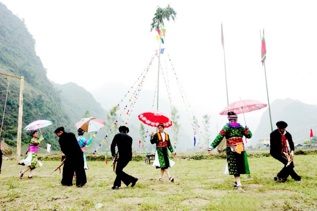 Gau-Tao-festival-in-spring-of-H'mong-people